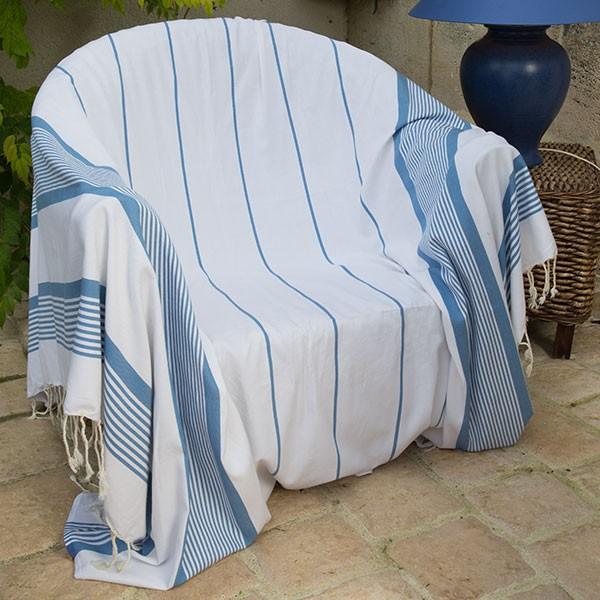 jet de fauteuil 2 x 2 m fond blanc et rayures bleues c1. Black Bedroom Furniture Sets. Home Design Ideas